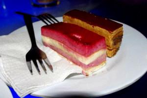 La Vie Parisienne Cake